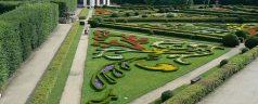 800px-Flower_Garden_Kromeriz